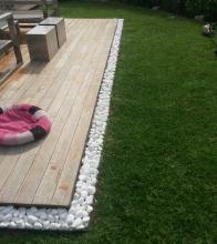 Ξεχωρίστε το χώμα από το γρασίδι, δώστε το δικό σας σχήμα σε μονοπάτια και διαδρόμους, εγκλωβίστε κυβόλιθους, οριοθετήστε παρτέρια.